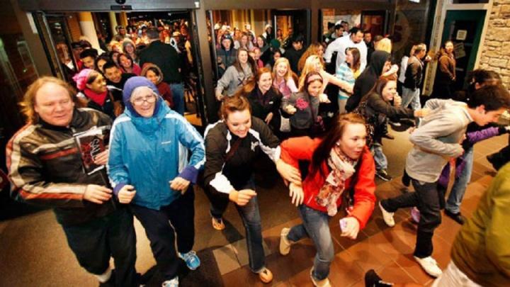 Горожан накрыло новогоднее настроение: как не собрать пробки при покупке подарков