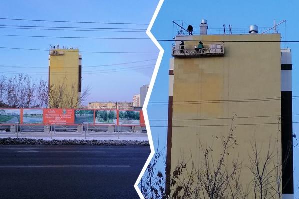 В ЖК «Молодёжный» в Ленинском районе дольщики должны были заехать ещё в 2017 году, но с самого начала всё пошло наперекосяк