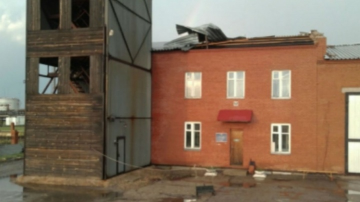 В Башкирии разрушенные ураганом дома восстановят за неделю