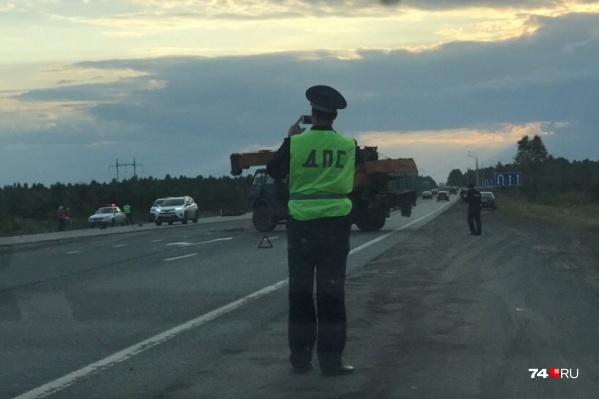 ДТП произошло на дороге в Екатеринбург, недалеко от поворота на село Долгодеревенское