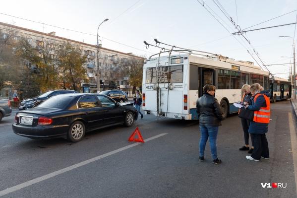 Авария в центре города обошлась без пострадавших