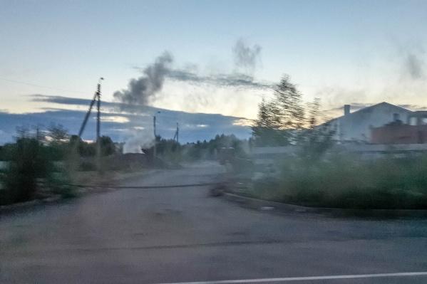 По словам автора фото, запах у дыма был химический