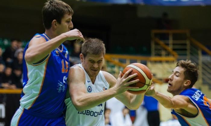 Первая игра в полуфинале обернулась провалом, но у новосибирцев ещё есть шанс взять реванш