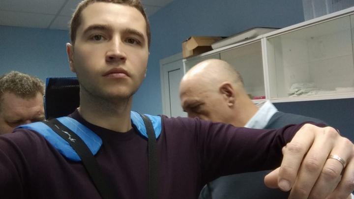 Уцелевшему в смертельном ДТП врачу Алексею Соловьеву в Волгограде делают экзоскелет