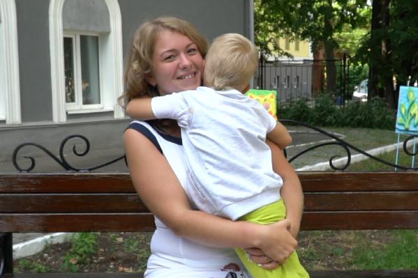 Юлия и ее сын Дима считают, что семья — это дружба, любовь, доверие и забота