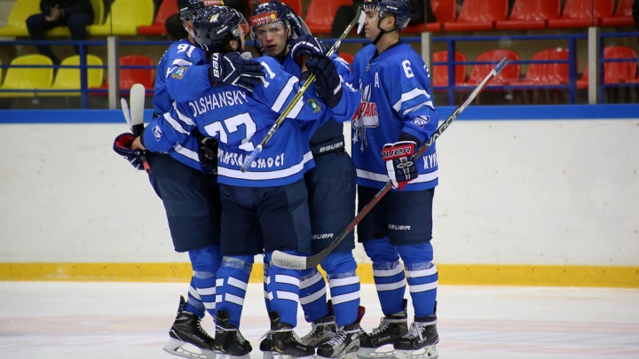 Разгромная победа: ХК «Зауралье» выиграл у «Бурана» из Воронежа со счётом 5:1