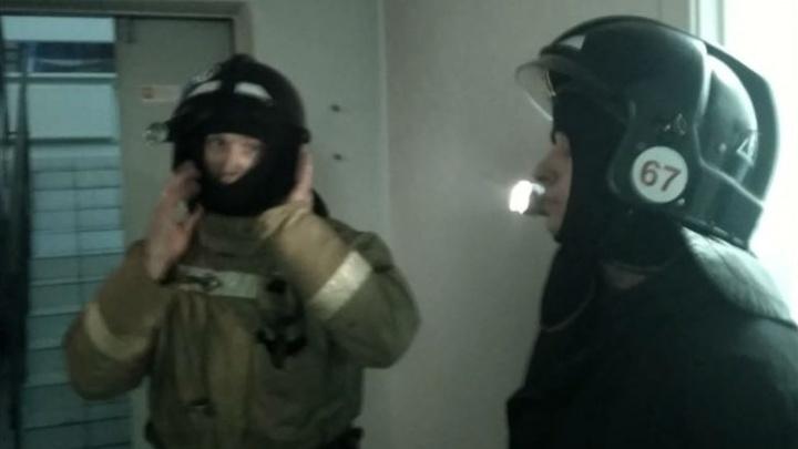 В Омске из медицинского центра эвакуировали 30 пациентов из-за замкнувшей лампы
