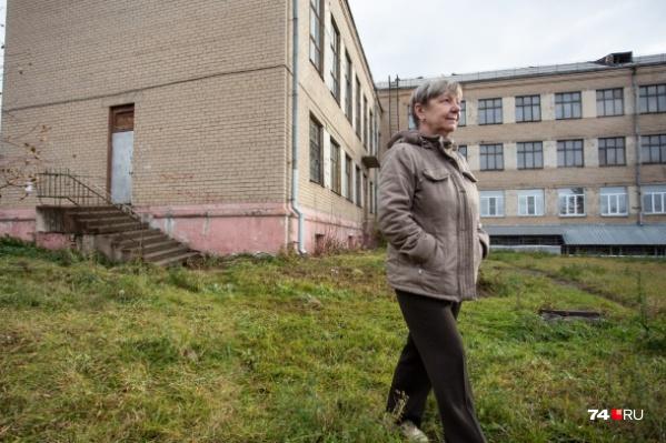 Возможно, 57-летний учитель Елена Михальченко скоро покинет школу, в которой прожила 20 лет