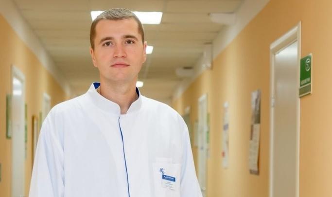 «Я рад, что в страшный момент мне довелось быть с родными»: выживший в ДТП волгоградский врач возвращается к практике