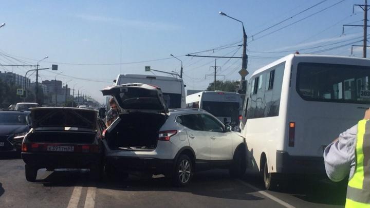 В аварии с участием четырех авто пострадал ребенок
