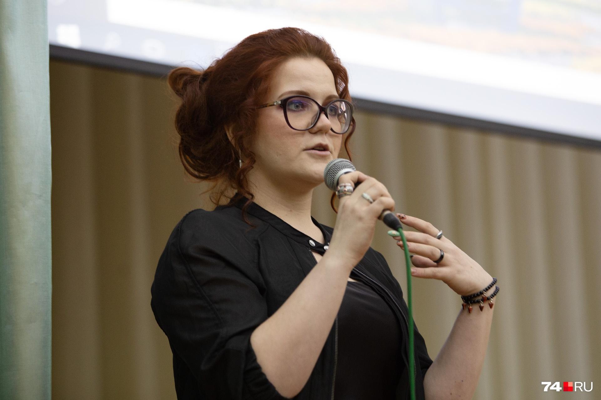 Несмотря на выкрики аудитории, Ольга Никитина держалась очень уверенно