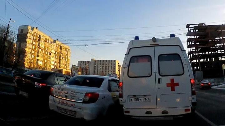 Нарушение месяца: бессмертные на встречной полосе и маршруточный хаос на Братской