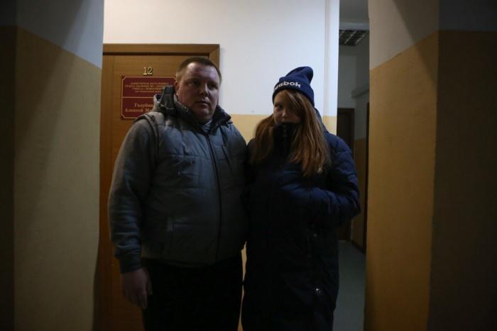 В полиции девочка встретилась со своим отцом