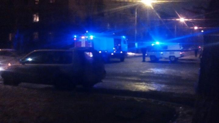 На Уралмаше перекрыли улицу Фестивальную из-за эвакуации футбольной арены