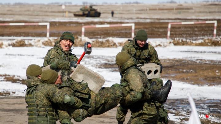 Посмотреть смогут все: на полигоне под Волгоградом строят трибуны для зрителей танкового биатлона