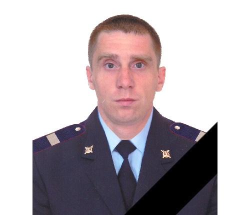 ВКрасноярском крае полицейский умер, защищая девушку отобезумевшего отчима