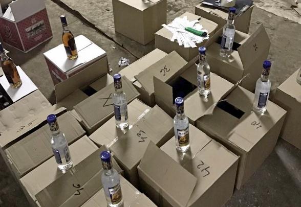В Кургане полиция нашла шесть тысяч бутылок контрафактного алкоголя