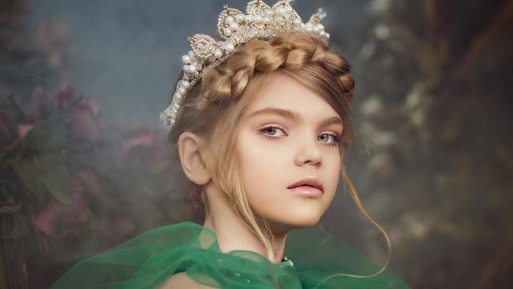На Неделе моды в Екатеринбурге коллекцию представит юная модель с ангельской внешностью: смотрим фото