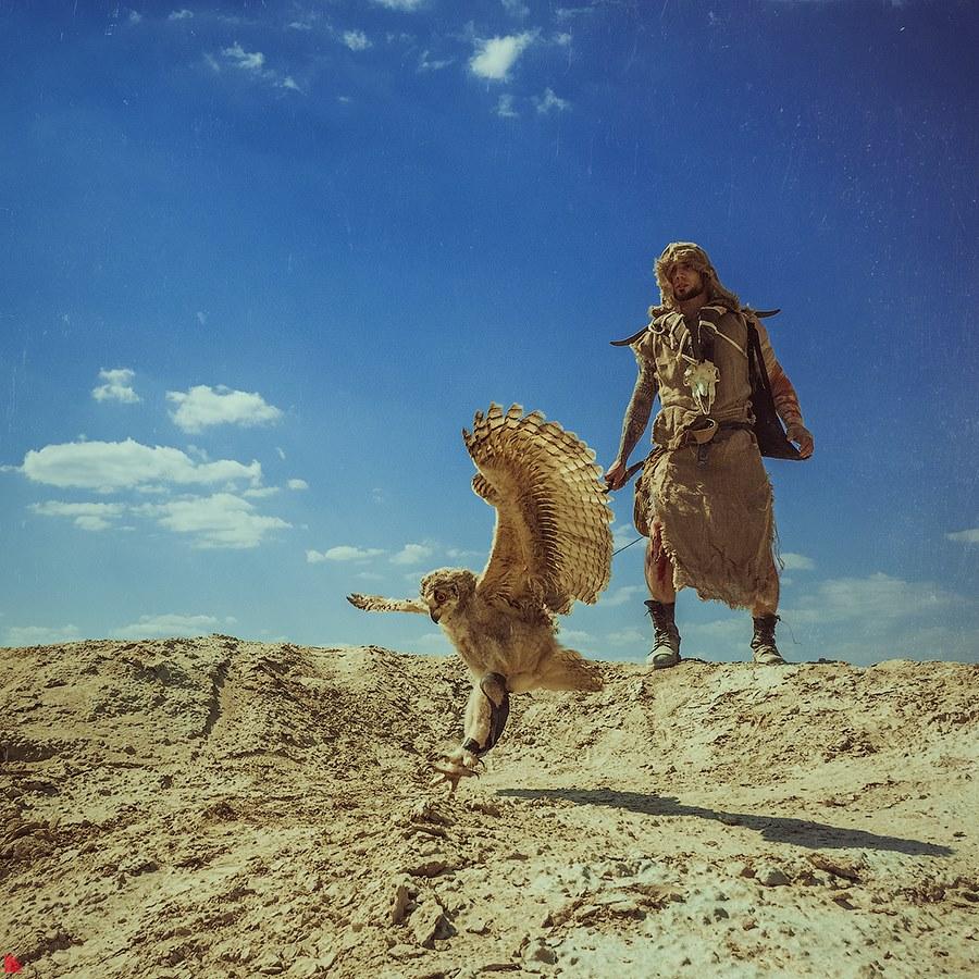 Стимпанк, дельтапланы и филины: разглядываем фото апокалипсиса, снятые в песках Берёзовского