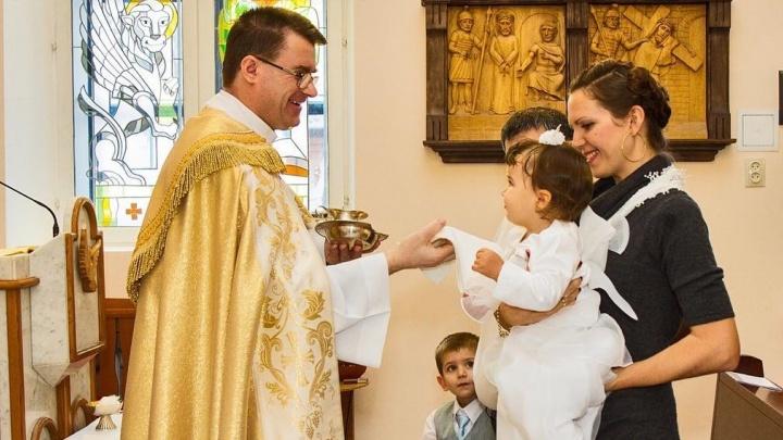 Меня выгнали из православной церкви из-за мужа-католика. Колонка тюменки, влюбившейся в австралийца