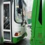 В Тюмени маршрут №54 врезался на остановке в стоящий автобус: пострадали пассажиры