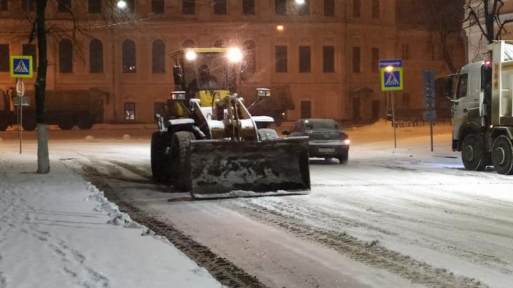 Глава центральных районов Ярославля попросил отнестись с пониманием к шуму от ночной уборки