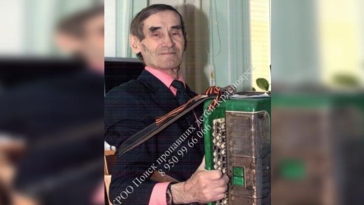 Пожилой мужчина с камуфляжным рюкзаком собрался ехать на дачу и пропал