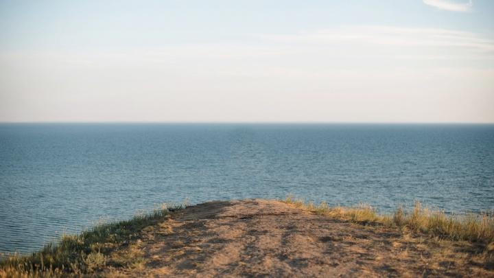 Опасный заплыв: двое детей ушли в открытое море