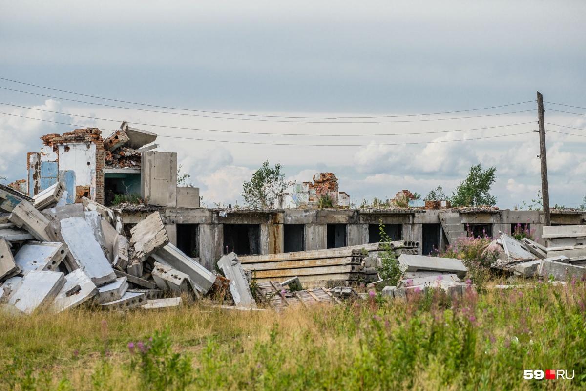 Жители Кизела, которым были выделены деньги на жильё по государственной программе, так и не получили его