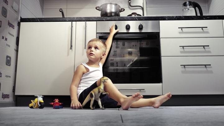 Как научить ребёнка обращаться с газовой плитой: инструкция, которая может спасти жизнь