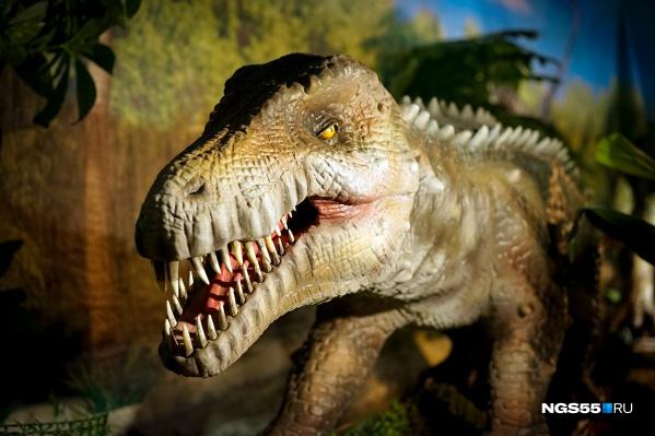 На выставке омичей поджидает хитрый мегалозавр, который знает какой-то секрет