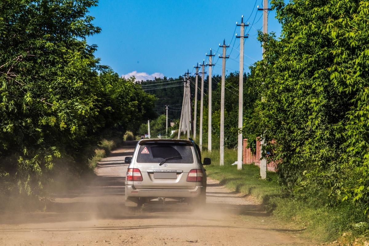 На Центральной улице в Абрашино даже днём превышают разрешённую скорость