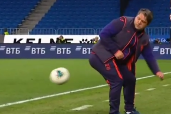 2 миллиона просмотров видео за сутки: главный тренер ФК «Уфа» взорвал интернет техникой приема мяча