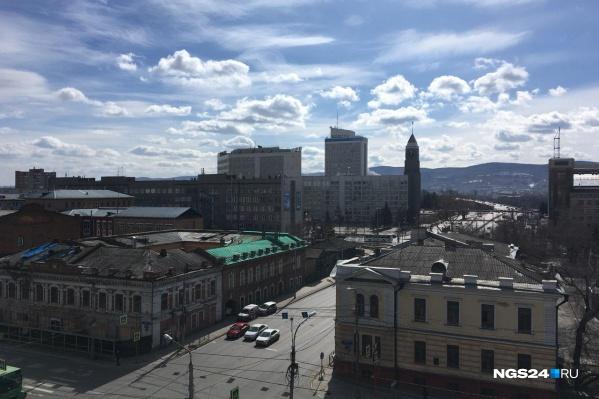 Пока в Красноярске хоть и солнечно, но ветрено и прохладно