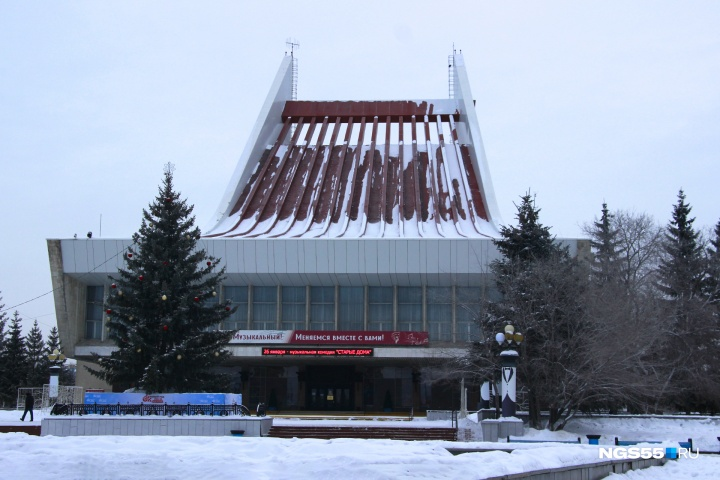 Артистку омского музтеатра отправили в колонию за убийство сантехника
