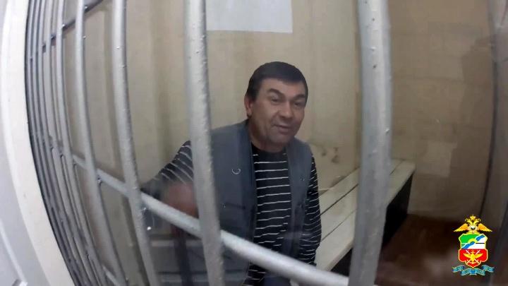 Пассажира арестовали за пьянство после прилёта в аэропорт Толмачёво