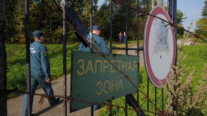 В Свердловской области загорелась исправительная колония.Тушить ее будут с вертолета Ми-8