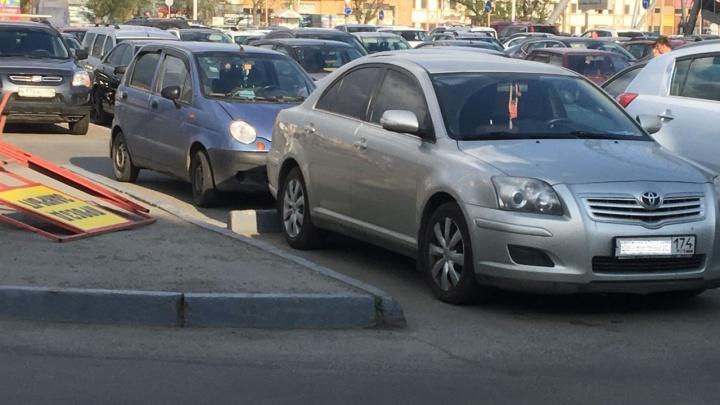 Крутые «Горки»: челябинский ТРК отказался платить за разбитую на парковке машину