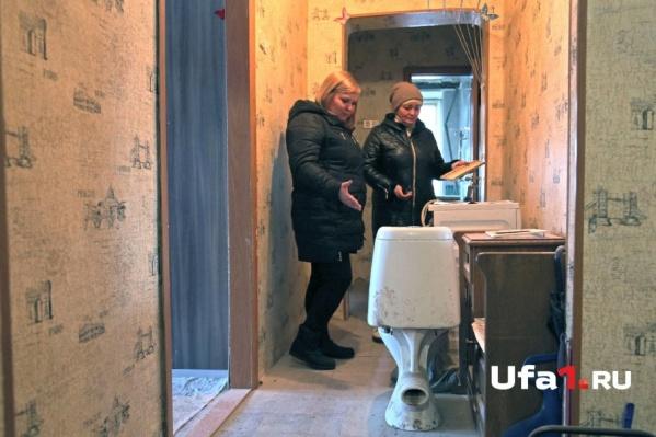 Всё в квартире Арслановых покрывает толстый слой цементной пыли