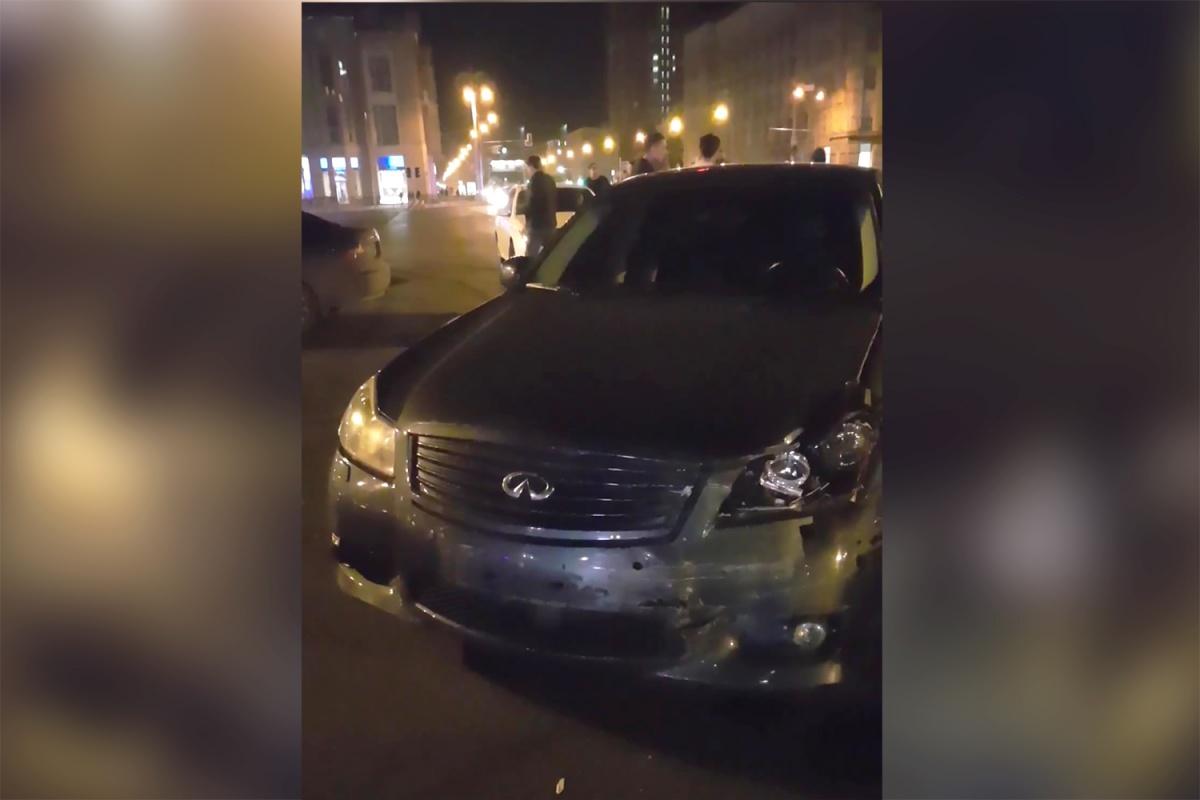 Перед происшествием очевидцы заметили на площади Ленина дрифтующие автомобили и вызвали полицию