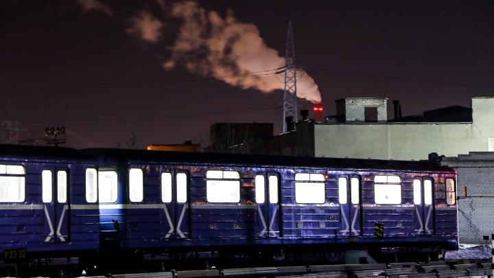 Вагоны спят, они устали: показываем, как живёт нижегородское метро ночью