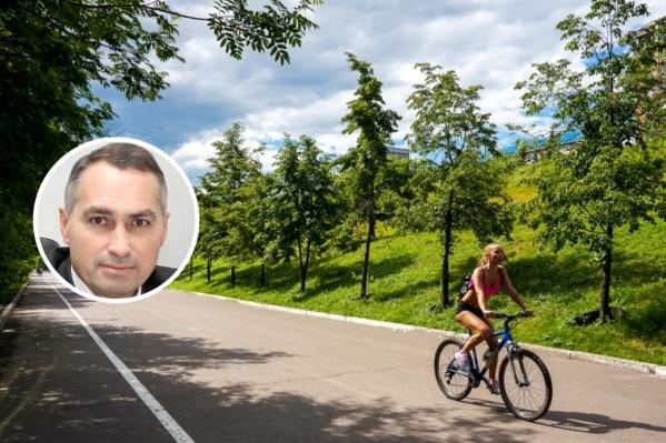 Руководитель федерации профсоюзов Олег Исянов считает, что сокращение рабочей недели позволит красноярцам больше времени заниматься семьей