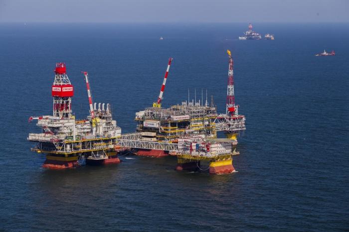 С марта котировки нефти снизились с 81 до 65 долларов