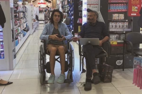 Марсель попросил рассказать об этом раке всем —водителю в автобусе, кассиру в гипермаркете и соседу
