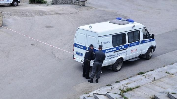 Дали в глаз и в пах: на Урале полицейских заподозрили в избиении задержанного