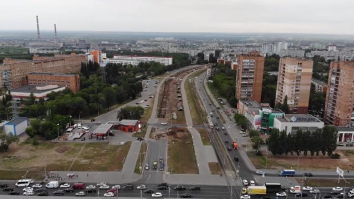 Вскрыли Ташкентскую: ремонт скандально известной теплотрассы сняли с высоты птичьего полета