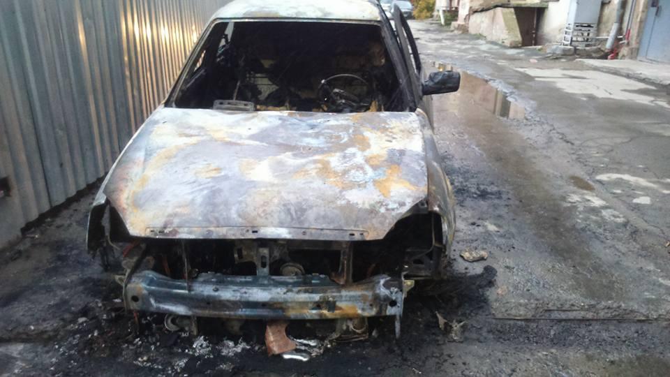 Машину Трынова сожгли в октябре 2016 года, виновных так и не нашли