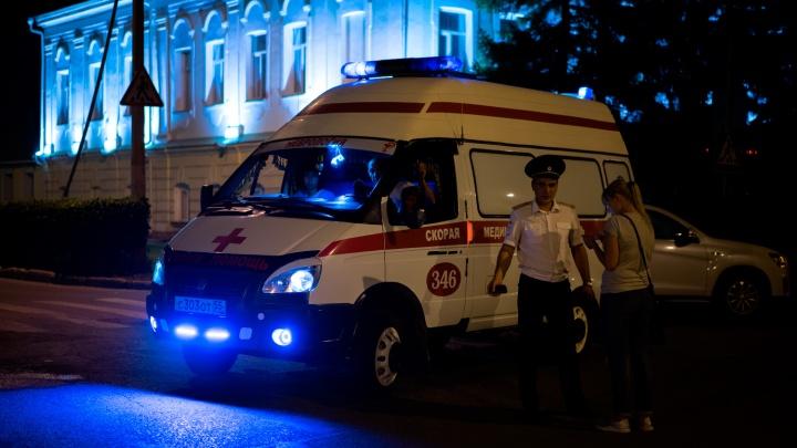 Водитель, который сбил двух школьников в Омской области, отвлёкся во время движения