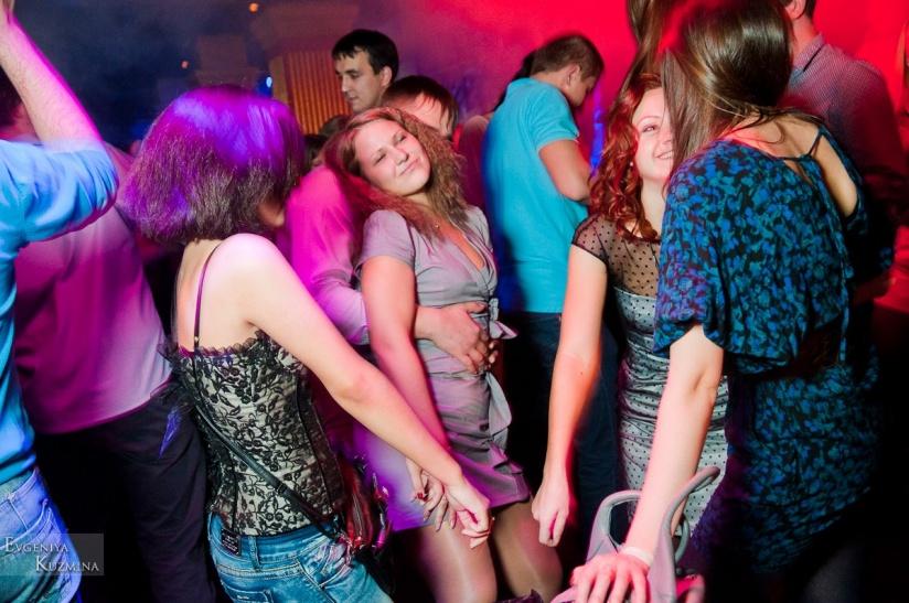 Клуб иксы москва жигулевск ночной клуб