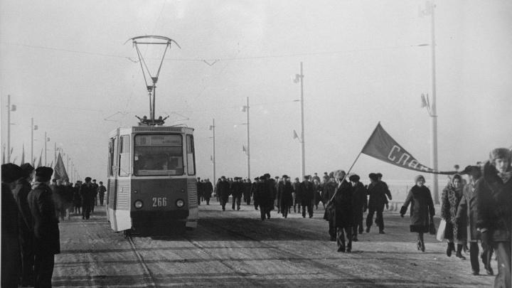 Спустя 10 лет после закрытия трамвайного маршрута в Омске уберут с дороги и продадут рельсы